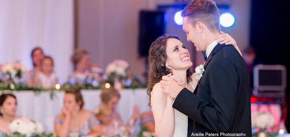 RnB Sound bride groom dance-.jpg
